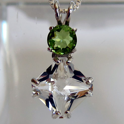 Clear Quartz Mini Magician Stone Pendant with Peridot Gemstone Crown