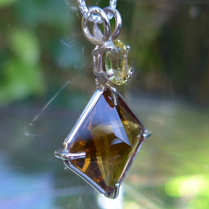 Citrine Magician Stone with Golden Beryl