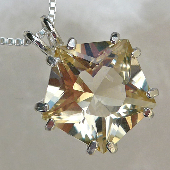 Golden Labradorite Star of Venus