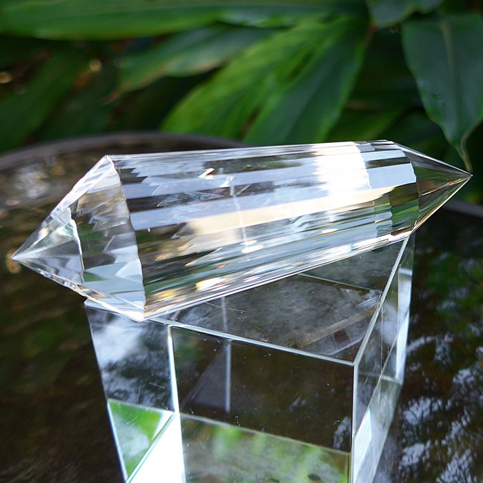 Brilliant Water Clear 36 Sided Vogel Wand