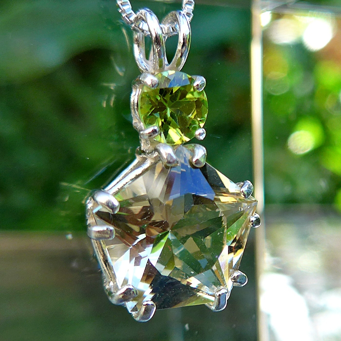 Golden Labradorite Star of Venus with Peridot Crown