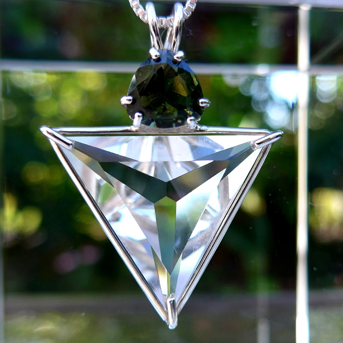 clear angelic star with trillion moldavite