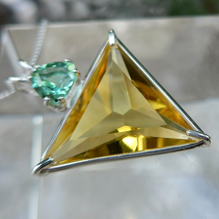 Siberian Gold Angelic Star Pendant with Tibetan Green Obsidian Crown